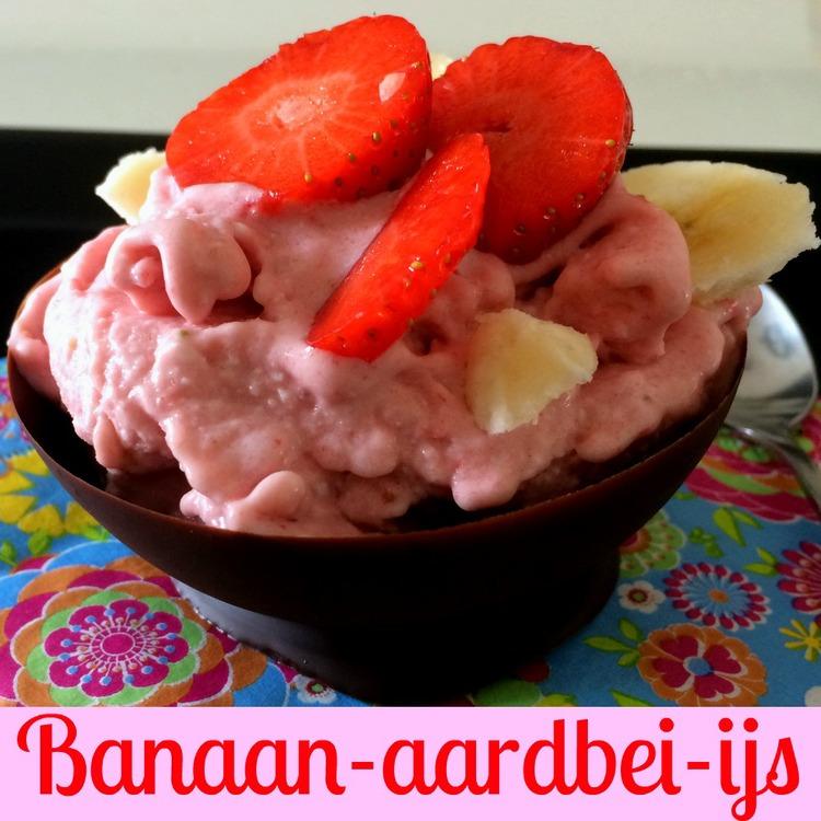 banaan-aardbei ijs