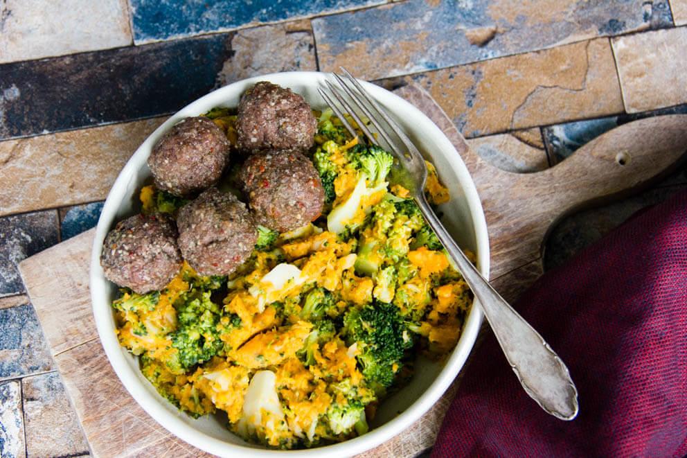 zoete aardappel-broccolistamppot